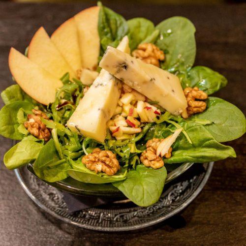 Appel-blauwaderkaas salade bij Gastrobar Hartig