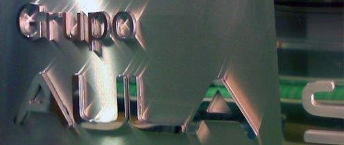 letras-corporeas-macizas-de-aluminio-recortado-forja-grupo-aula-schola-02