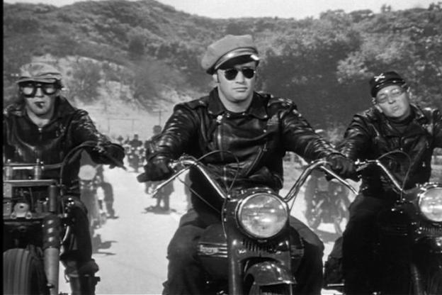 film-the-wild-one-with-brando-on-a-bike-opening-scene