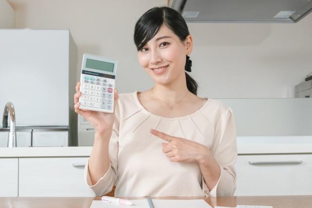 休業手当の計算基礎となる「平均賃金」は残業代や通勤手当も含めて算出する必要がある?