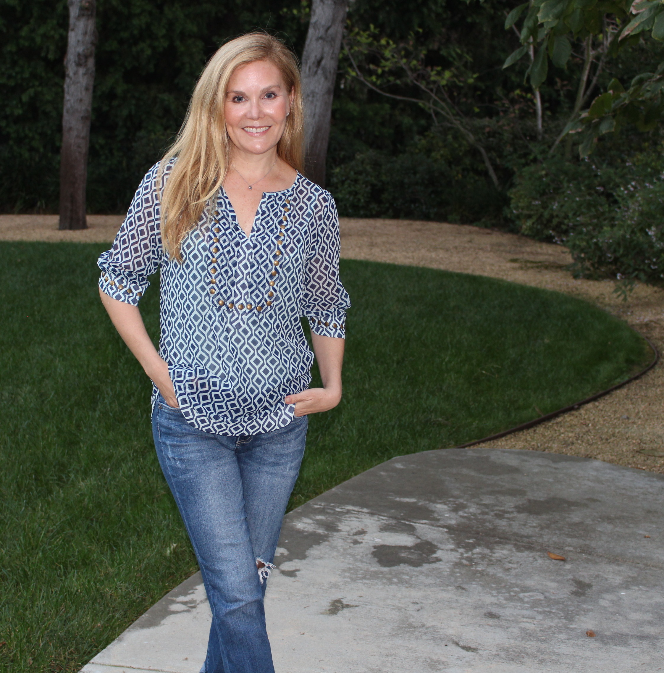 Stitch Fix Review. Casual Fashion Over 40 - Round and ...