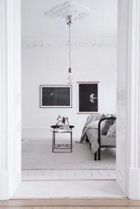 Adorable minimalist living room designs (18)