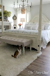 Beautiful bedrooms with white furniture (2)
