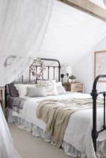 Beautiful bedrooms with white furniture (3)