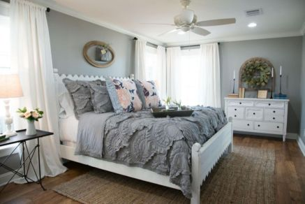 Beautiful bedrooms with white furniture (31)