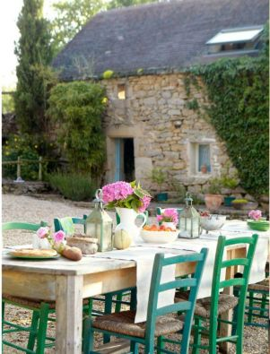 Charming and beautiful provence dining spaces (22)