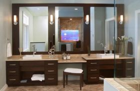 Cool ideas to use big mirrors in your bathroom (10)