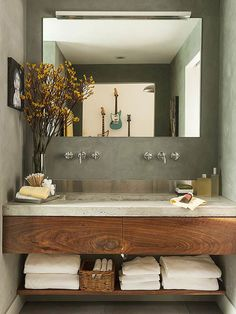 Cool ideas to use big mirrors in your bathroom (18)
