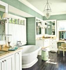 Cozy and relaxing farmhouse bathroom designs (27)