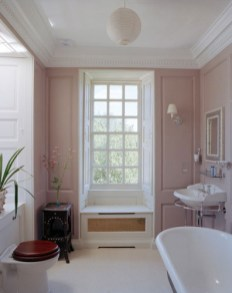 Delicate feminine bathroom design ideas (11)