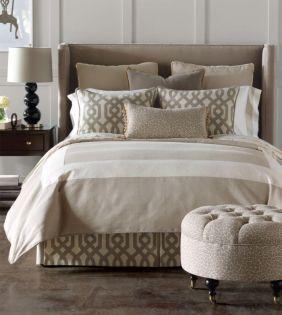 Relaxing neutral bedroom designs (13)