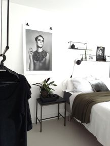 Stylish stylish black and white bedroom ideas (55)