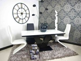 Amazing black and white furniture ideas 40