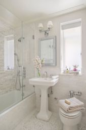 Amazing guest bathroom decorating ideas 33
