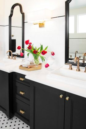 Bathroom vanity ideas with makeup station 34