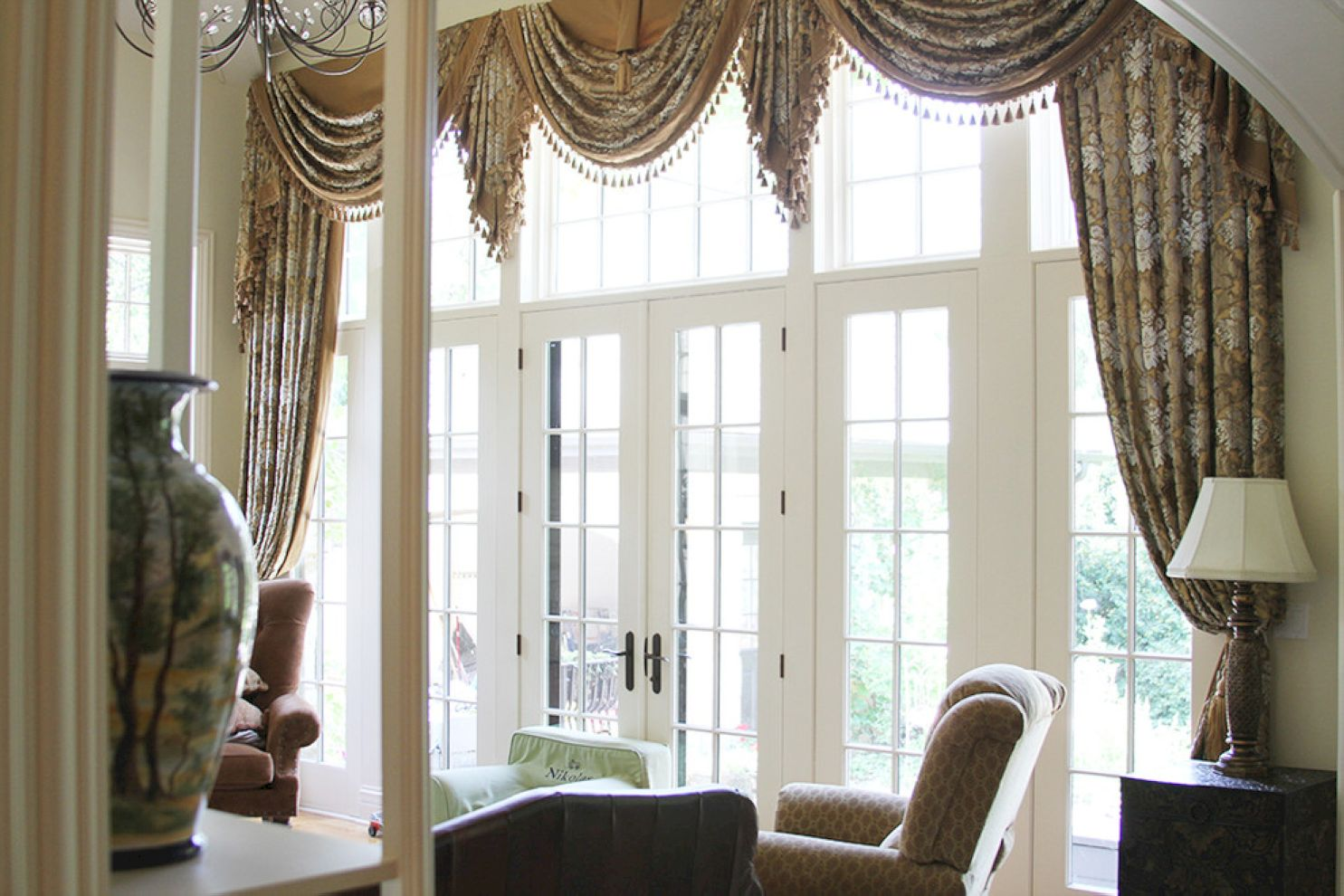 Top 5 Window Treatment Tips for an Outstanding Focal Point