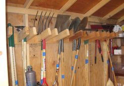 Creative garden tool storage ideas (8)
