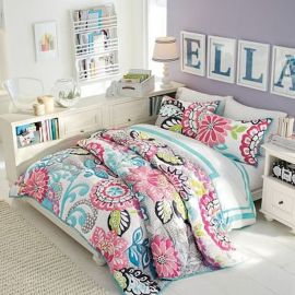 Inspiring bedroom design ideas for teenage girl 26