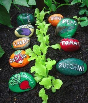 Inspiring painted rocks for garden ideas (19)