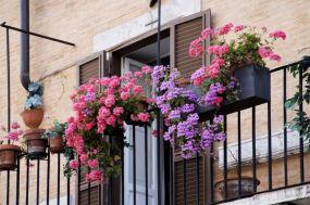 Modern apartment balcony decorating ideas 11