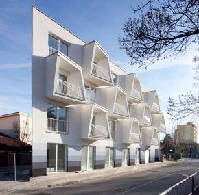 Modern apartment balcony decorating ideas 26