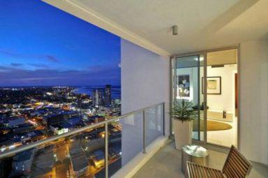 Modern apartment balcony decorating ideas 34