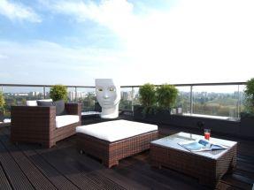 Modern apartment balcony decorating ideas 56