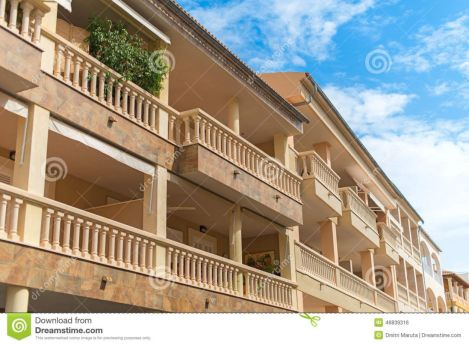 Modern apartment balcony decorating ideas 61