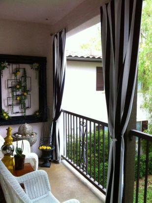 Modern apartment balcony decorating ideas 82