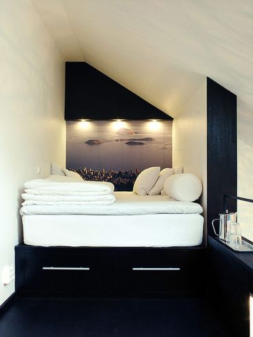 Modern bedroom design ideas with minimalist touch 52
