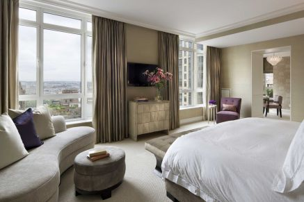 Stunning bedrooms interior design with luxury touch 18