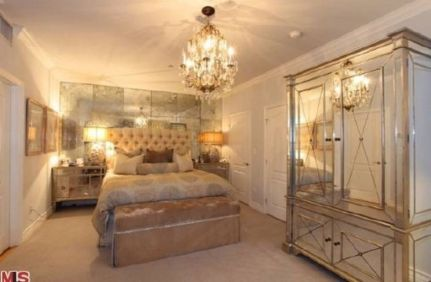 Stunning bedrooms interior design with luxury touch 42