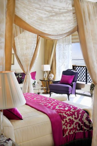 Stunning bedrooms interior design with luxury touch 79