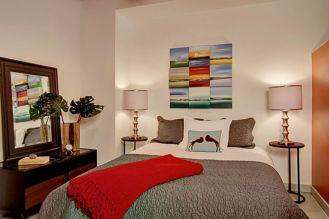 Stunning small apartment bedroom ideas 12