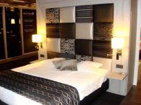 Stunning small apartment bedroom ideas 32