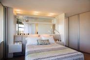 Stunning small apartment bedroom ideas 44