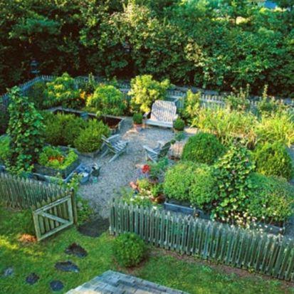 Stunning vegetable garden fence ideas (21)
