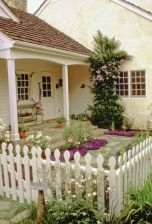 Adorable small patio garden design ideas 06