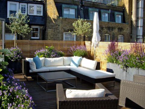 Adorable small patio garden design ideas 35