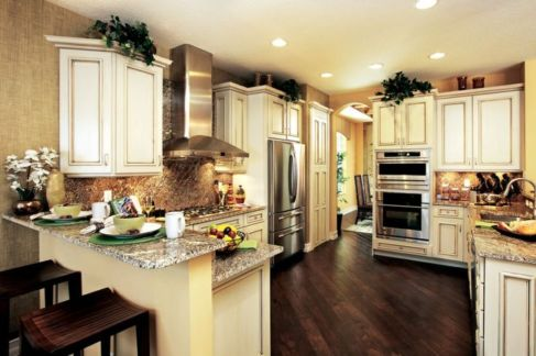 Amazing cream and dark wood kitchens ideas 49