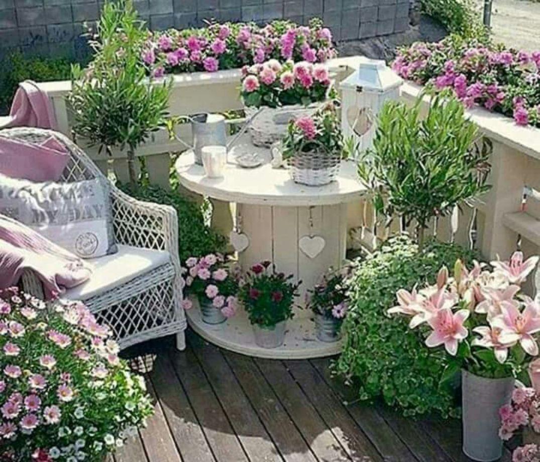 60 Amazing Small Balcony Garden Design Ideas Round Decor