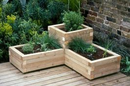 Amazing wooden garden planters ideas you should try 02