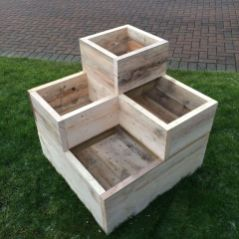 Amazing wooden garden planters ideas you should try 26