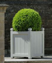 Amazing wooden garden planters ideas you should try 45