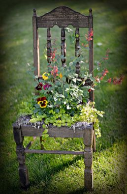 Beautiful flower garden decor ideas everybody will love 35