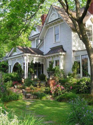 Beautiful flower garden decor ideas everybody will love 42