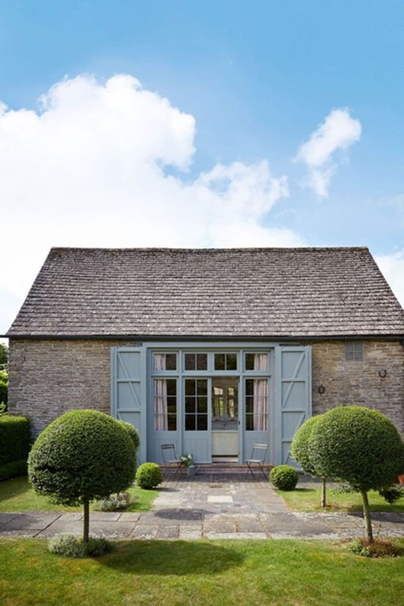 Beautiful french cottage garden design ideas 26