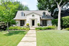 Beautiful french cottage garden design ideas 42