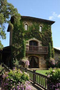 Beautiful french cottage garden design ideas 58