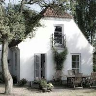 Beautiful french cottage garden design ideas 61